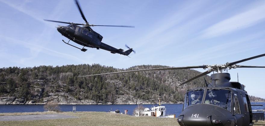 Forsvaret etablerer midlertidige ambulansehelikopterbaser i Kirkenes og Lakselv
