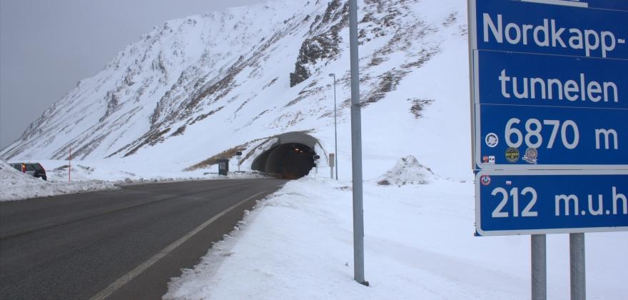 E69 fra Nordkapptunnelen til Hønsa er stengt