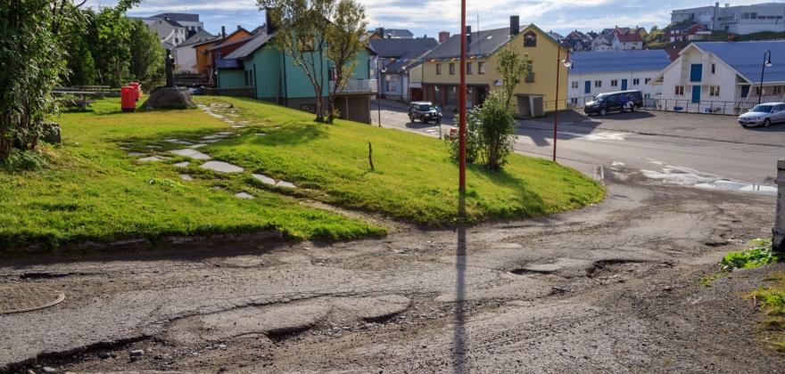 Tokleveien får asfalt