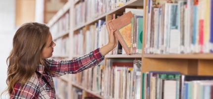 To kommuner i Finnmark får støtte til skolebibliotek