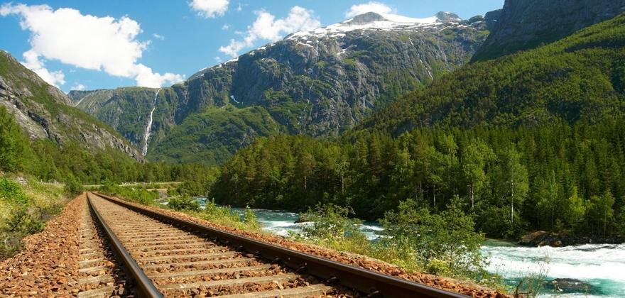 Utreder konkrete traséer for Nord-Norge-banen