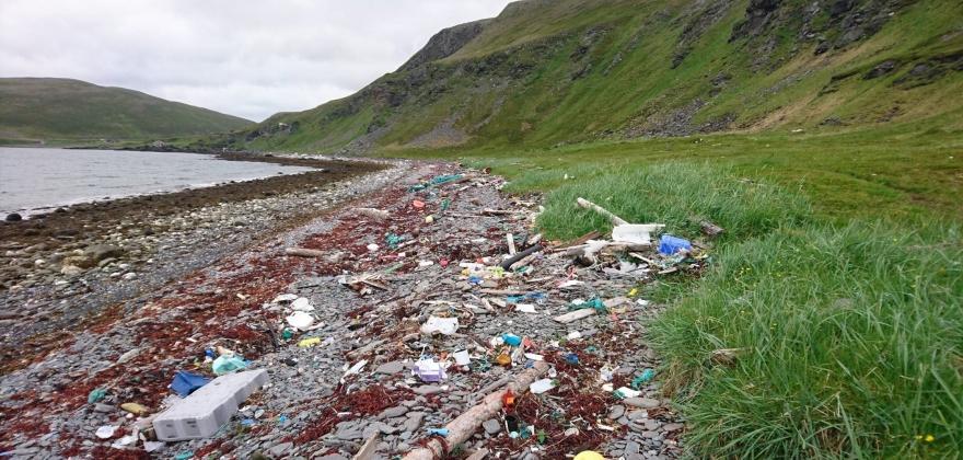 Skal forske på hvor strandsonesøppel kommer fra