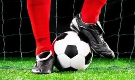 Bortimot 60 barn p� fotballskole i Honningsv�g