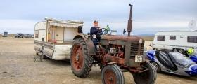 Med traktor og campingvogn til Nordkapp