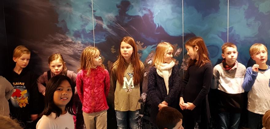 Elever står bak den nye utstillingen hos Nordkappmuseet