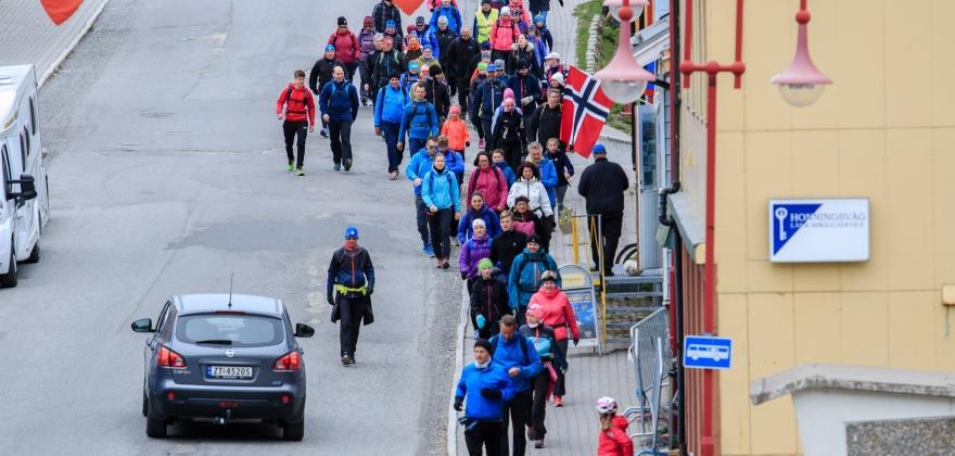 Ber lokalsamfunnet slutte opp om Nordkappmarsjen