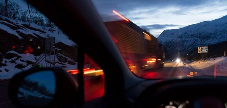 Skal skjerpe kravene for tunge kjøretøy