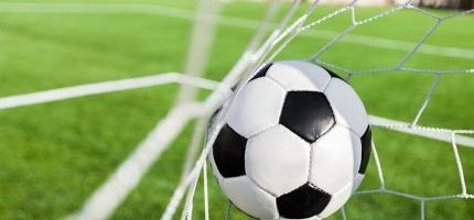 Mange fotballsupportere fulgte FA Cup-finalen i Honningsvåg