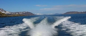 Investerer i ny hurtigbåt