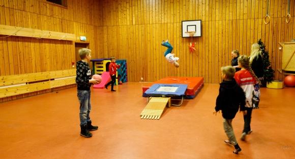 Se bildene fra klubbkveld i Kamøyvær