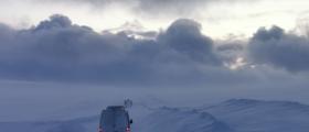 Brøytebilen blokkerer vegen, hurtigruten forsinket fra Honningsvåg