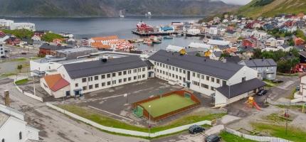 Politiet var ved Honningsvåg skole fredag morgen