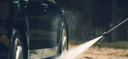 Hjemme-påske? Vask vinteren av bilen!