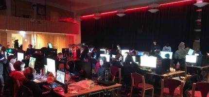 Senterungdommen kommer til å arrangere flere LAN-party