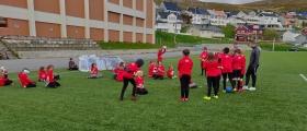 Arrangerer Tine Fotballskole