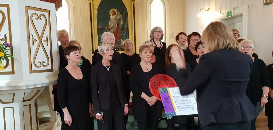 Kirkekonsert med Honningsvåg Damekor