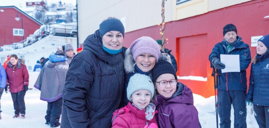 Fornøyd med utedagen i Sjøgata