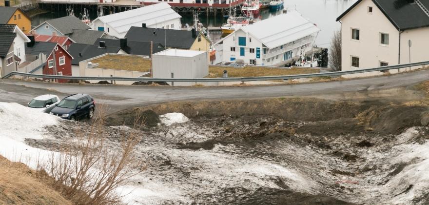 Fraråder ferdsel i daler med snø