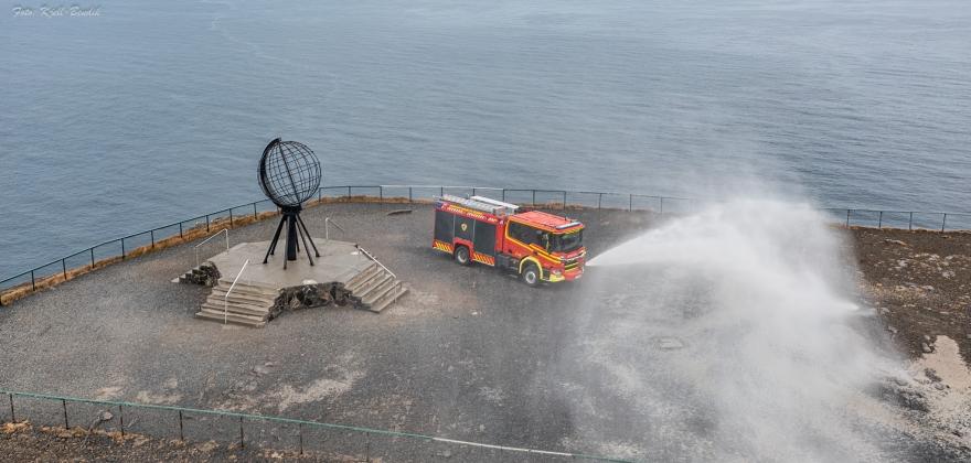 Ny brannbil har kommet til Nordkapp kommune