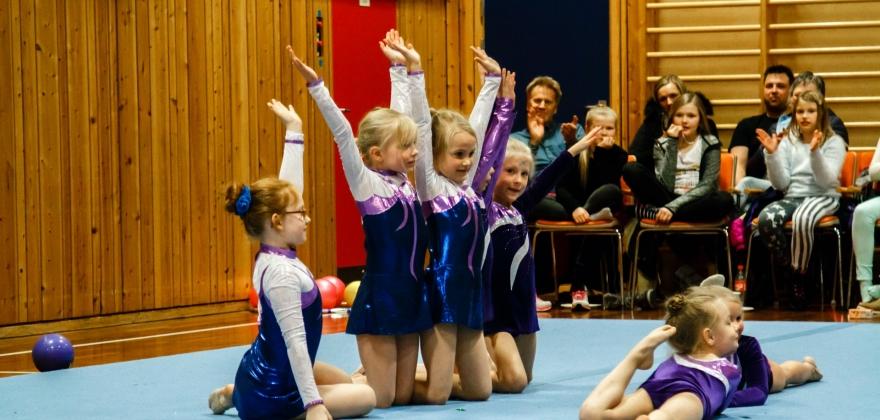Viser fram idretten for barn og ungdommer