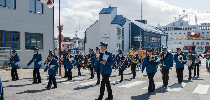 Årets 17. mai-tale i Honningsvåg blir en duett