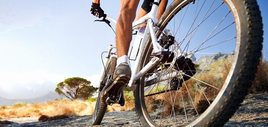 Kan bruke el-sykkel i utmark