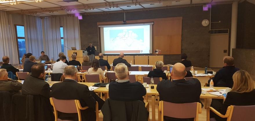 Fly på batteri mellom Honningsvåg og Mehamn