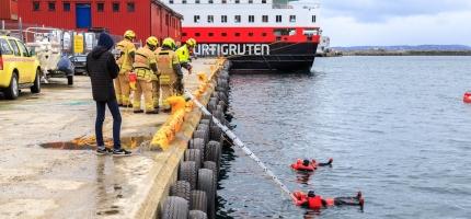 Øvelse i Honningsvåg havn – se video