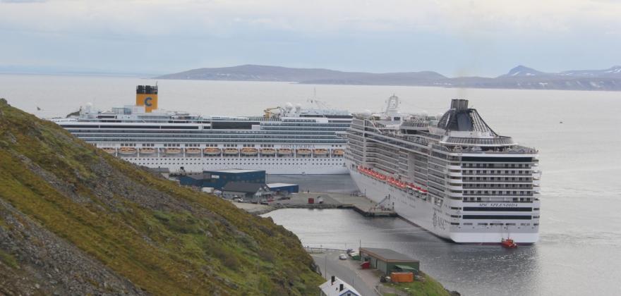 Nordkapp og Tromsø står for halvpartene av cruisepassasjerene i nord