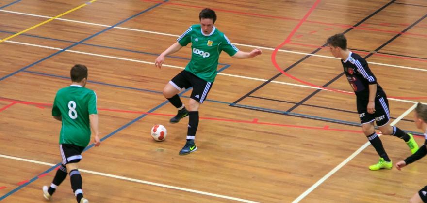 Turn-treneren mener det må være mulig å organisere seriespill i futsal i Finnmark