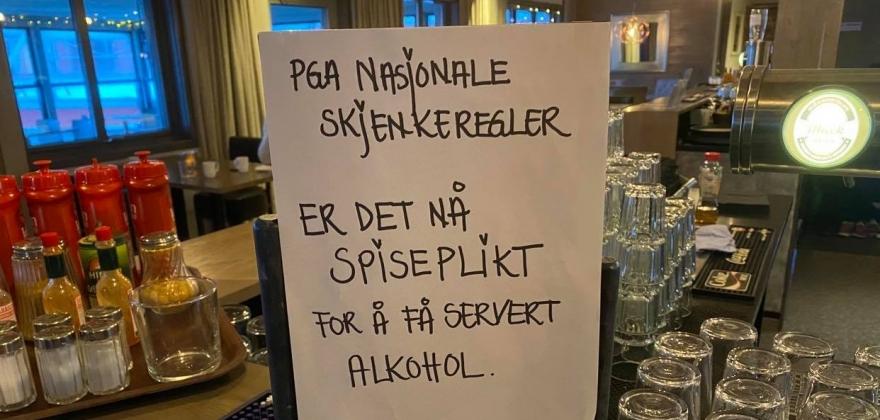 Skjenkestedene i Honningsvåg etterlyser mer informasjon