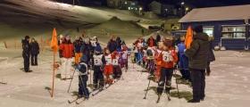 Barna starter dagen med skirenn