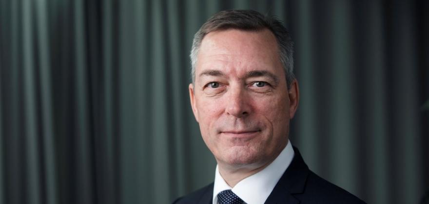 Vil forsvarsministeren sikre et bedre flytilbud for Lakselv?