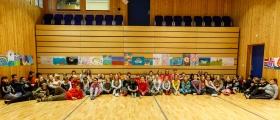 Elever i Honningsvåg deltok på Lions fredplakatkonkurranse - se bildene