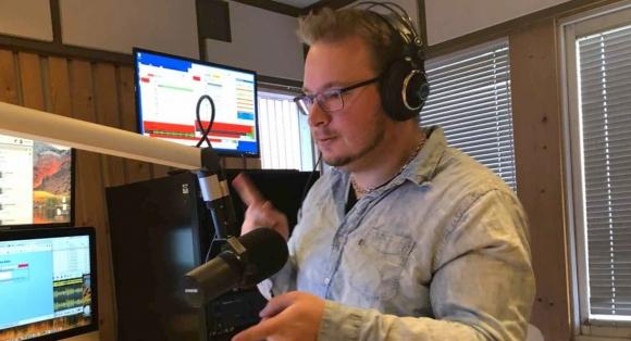 Flere lytter på FM