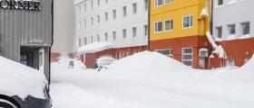 Mye snø smeltet på kort tid i Honningsvåg – se bildene