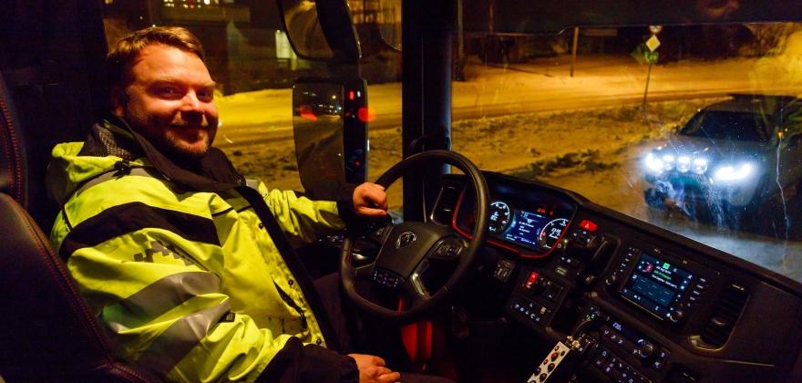 Advarer mot vanskelige kjøreforhold over hele Nord-Norge