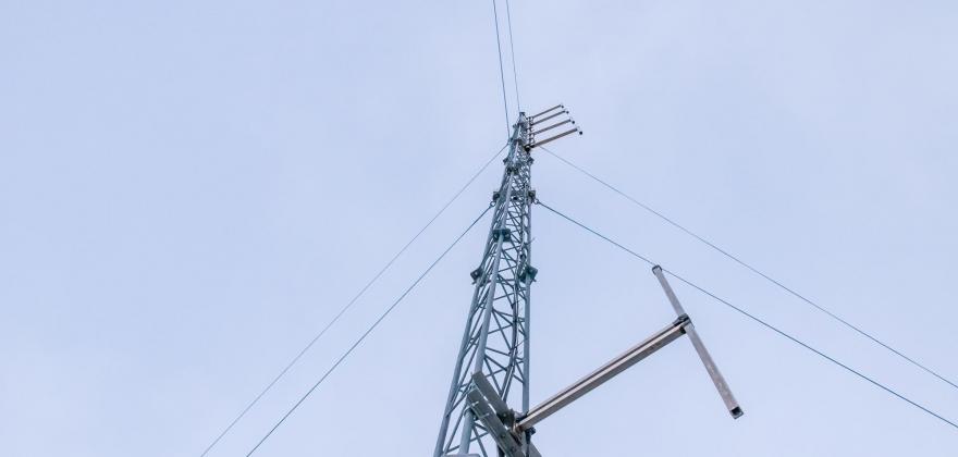Spraking på 103,9 MHz