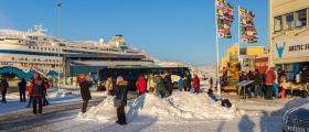 Årets første cruiseskip i Honningsvåg – se bildene