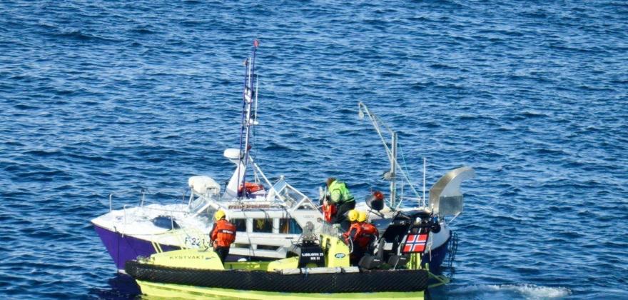 Slepte båt til Skarsvåg