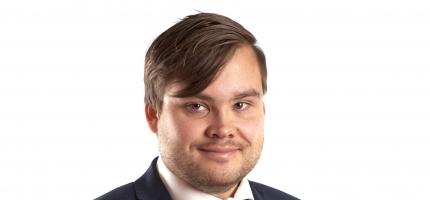 Fylkestinget tar sterk avstand fra personangrepene mot fylkesvaraordføreren