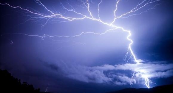 Lyn og torden førte til strømbrudd i Porsanger