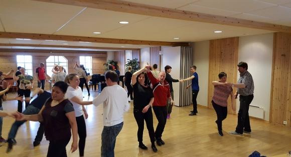 25 personer har danset seg gjennom helgen