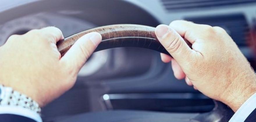 Krav til helseattest for eldre bilførere også etter 1. august