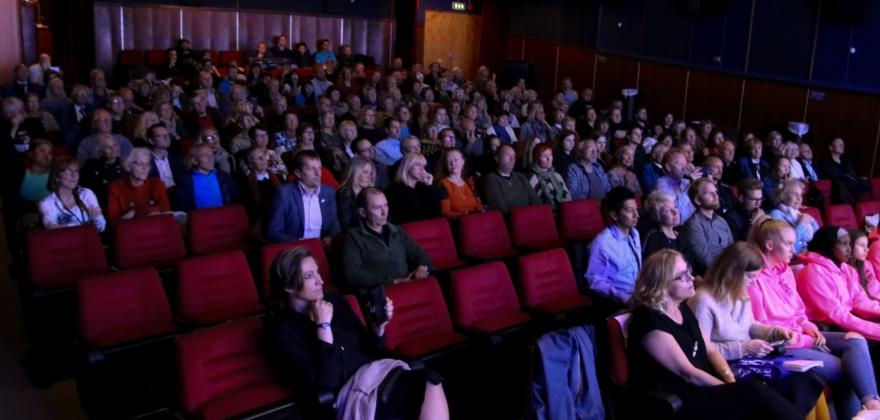 Neste fem tusen tilskuere på filmfestivalene