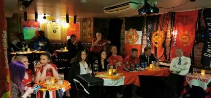 Fotballsupportere samlet hos Nøden Pub