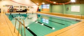 Arbeidet ved svømmehallen blir forskjøvet