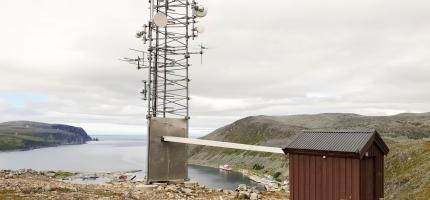 Rundhaugen i Kjøllefjord tilbake på lufta