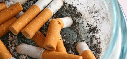 Mange vil slutte å røyke eller snuse, men få bruker hjelpemidler