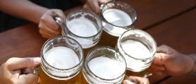 Alfred serverte karbonade og øl
